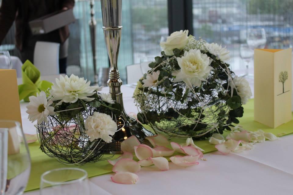 Hochzeit blumen und deko individuell von ihrer floristin - Tischdekoration silberhochzeit bilder ...